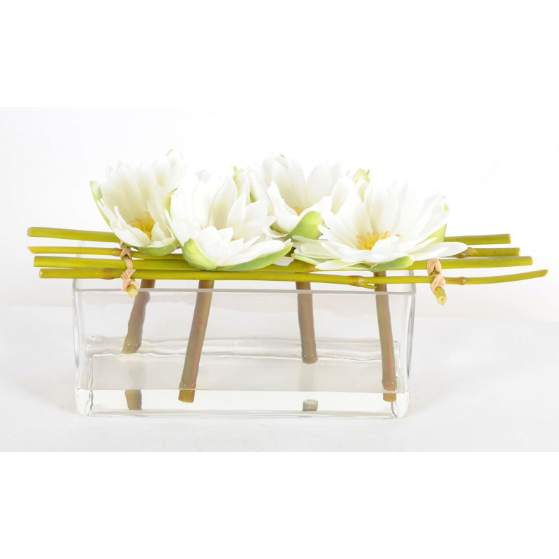 composition artificielle de 4 fleurs de lotus blanches dans un vase. Black Bedroom Furniture Sets. Home Design Ideas